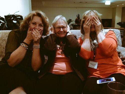 Award winners and excellent people: Cat Sparks, Glenda Larke & Donna Hanson.